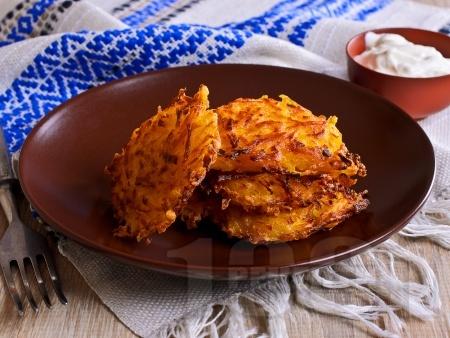 Картофени рьощи - лесни постни картофени кюфтета на ренде без яйца и без лук на фурна - снимка на рецептата